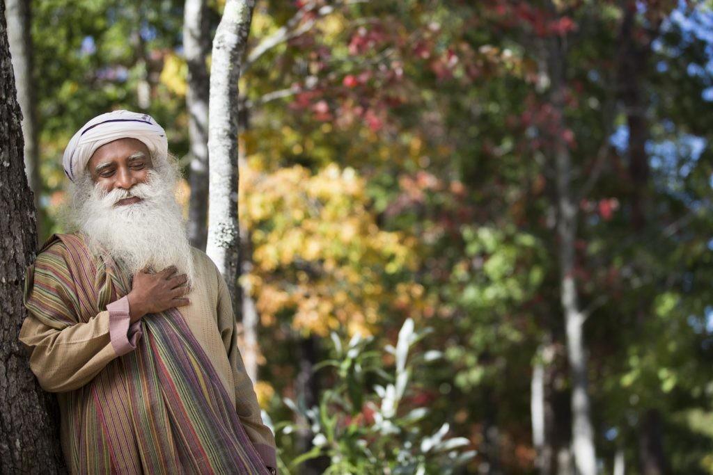 EKSKLUSIIVINTERVJUU! India joogi Sadhguru: Peame andma ühiskonnana tõotuse, et me ei lase enesetapu pandeemial juhtuda