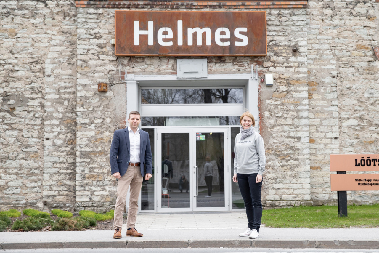 Helmes aitab töötajate osalused rahaks teha: firma liitus Funderbeamiga ja muutus siseringile kaubeldavaks
