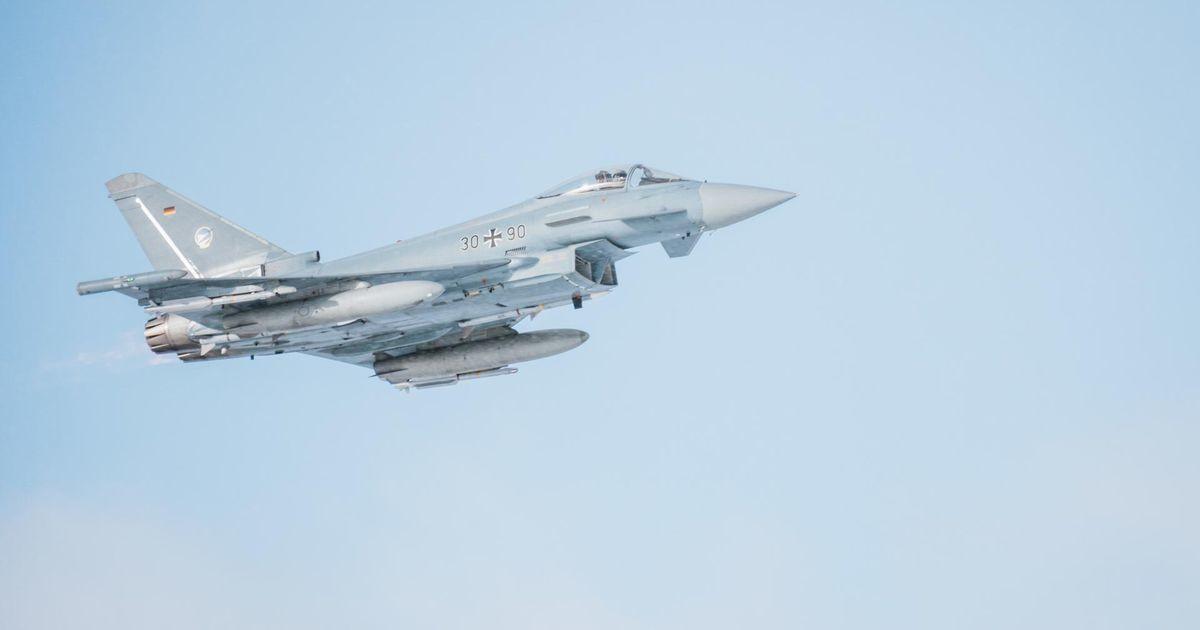 Eesti ja liitlaste lennuvahendid teevad vabariigi aastapäeval puhul Paidest ülelennu