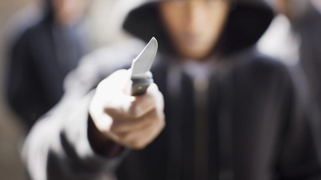 Viljandimaa koolis ründas õpilane õpetajat noaga.