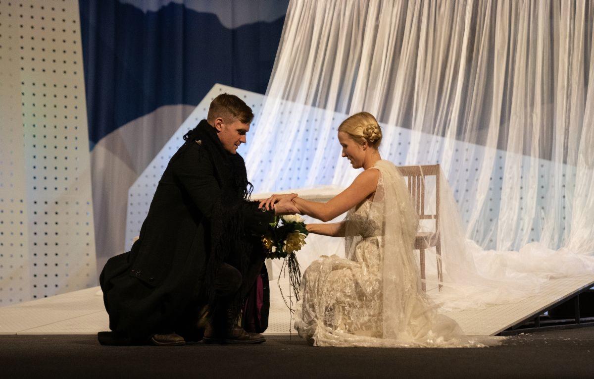 OTT LEPLAND JA SAARA PIUS I Rakvere teatri suvelavastused pikendavad suve novembrini
