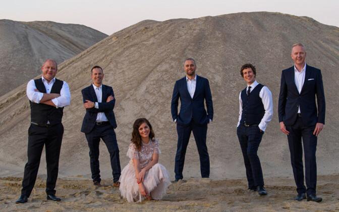 The Swingers avaldas uue singli, mille solistideks on Birgit Sarrap ja Mikk Saar