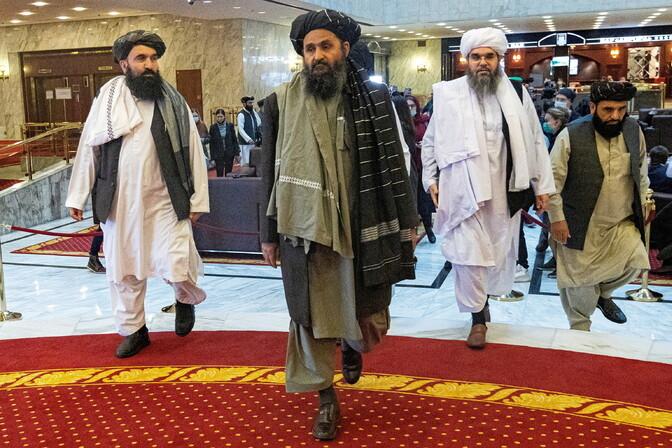 Talibani fraktsioonide juhid läksid võimu jagamise pärast riidu
