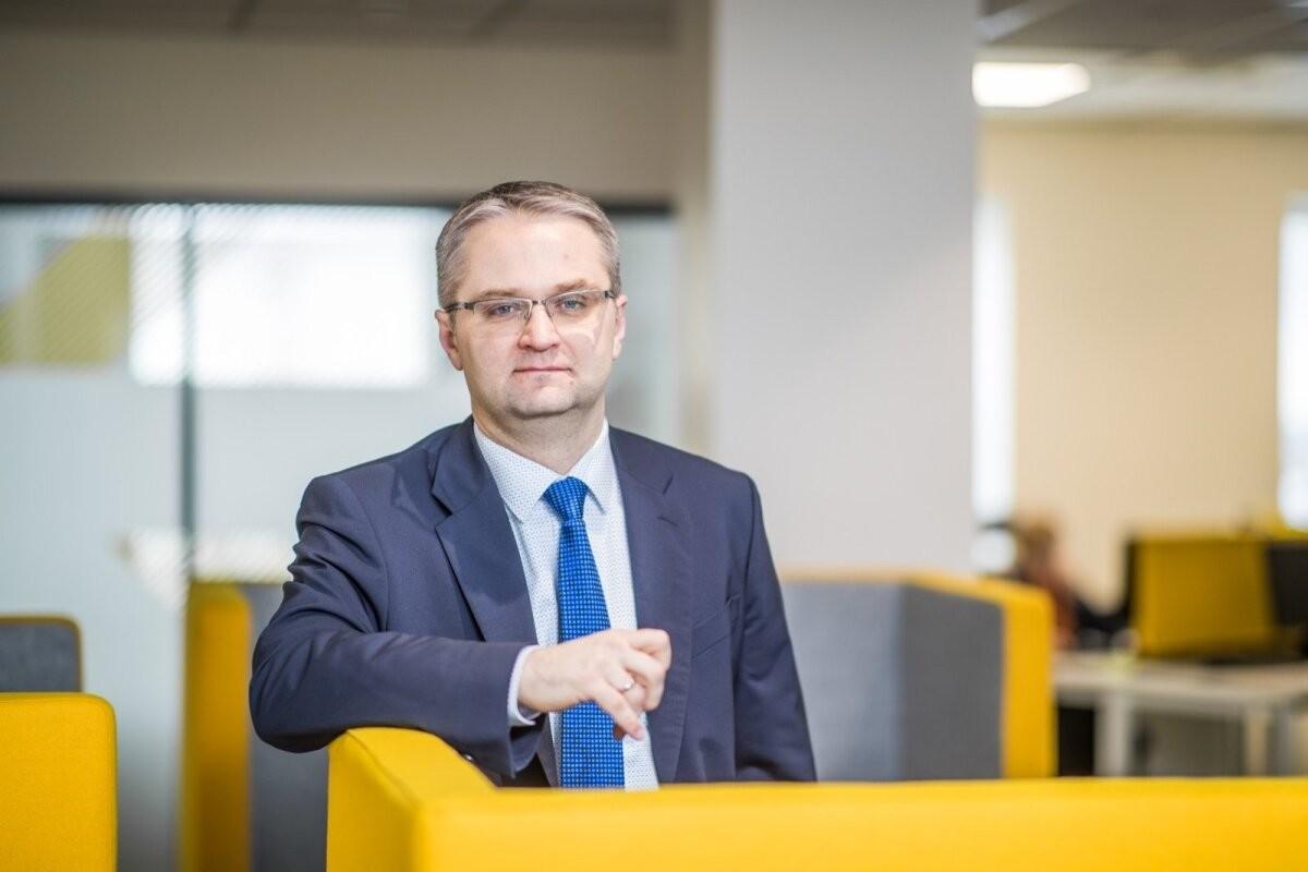 Riigikontrolör Janar Holm juhib Tanel Kiige tähelepanu vaktsineerimise kitsaskohatele: vaja on pikaajalist plaani