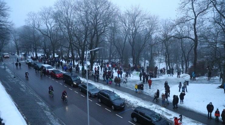 VIDEO JA FOTOD   Head Vabariigi aastapäeva! Pidupäev algas lipuheiskamisega Toompeal. Keelu kiuste kogunes läheduses palju huvilisi