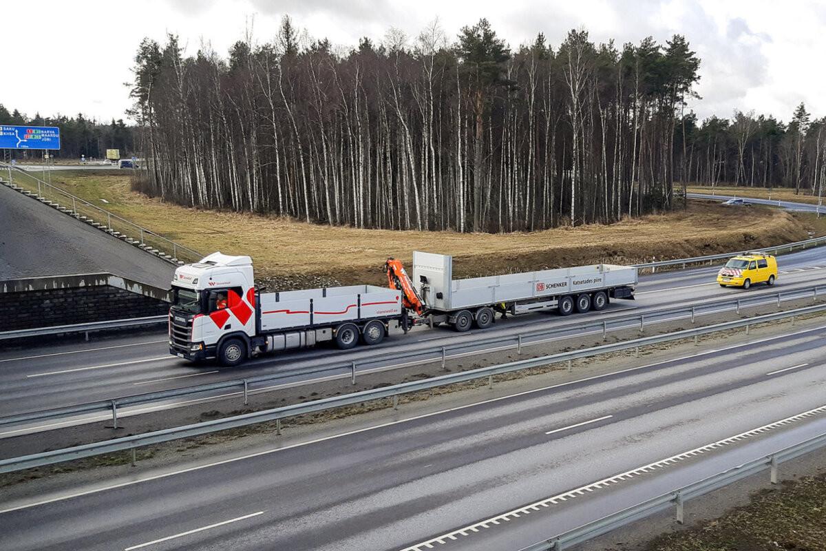 VIDEO   Tulevikutransport: meie teedel on liikvel ülipikk autorong