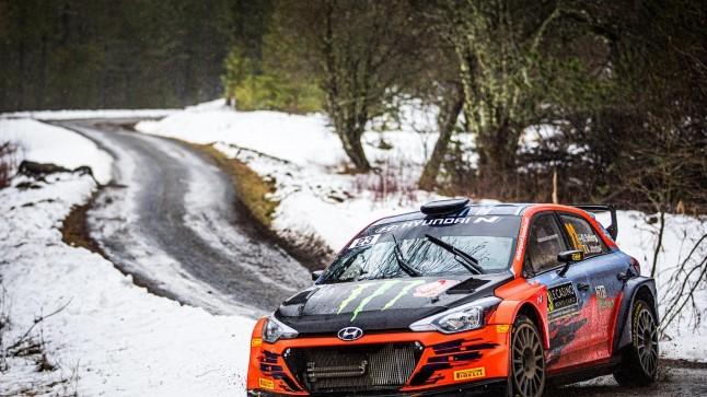 KOROONA WRC-RALLIL   Autoralli tulevikustaar pidi tegema Arctic Rally eel olulise muudatuse