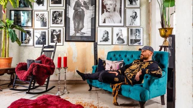 FOTOLUGU | Kahe mehe troopilise armastuse kodu uperpallitab vikerkaarevärvides