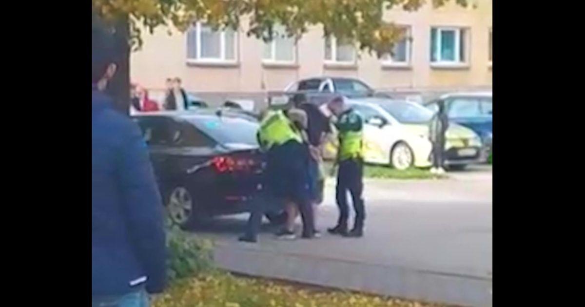 Reporter: 32-aastase purjus mehe sigadus Võrumaal nõudis politsei sekkumist