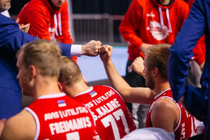 Rapla korvpallimeeskond alistas Tartu ning viigistas seeria