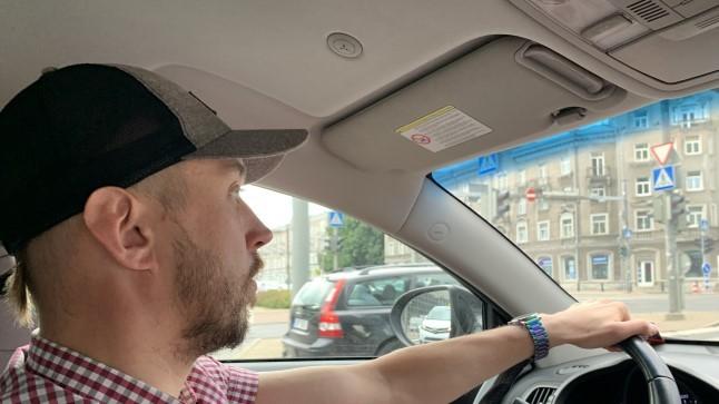 ÕL EKSPERIMENT: kumb on odavam – kas sõita tööle elektritõukeratta või oma autoga?
