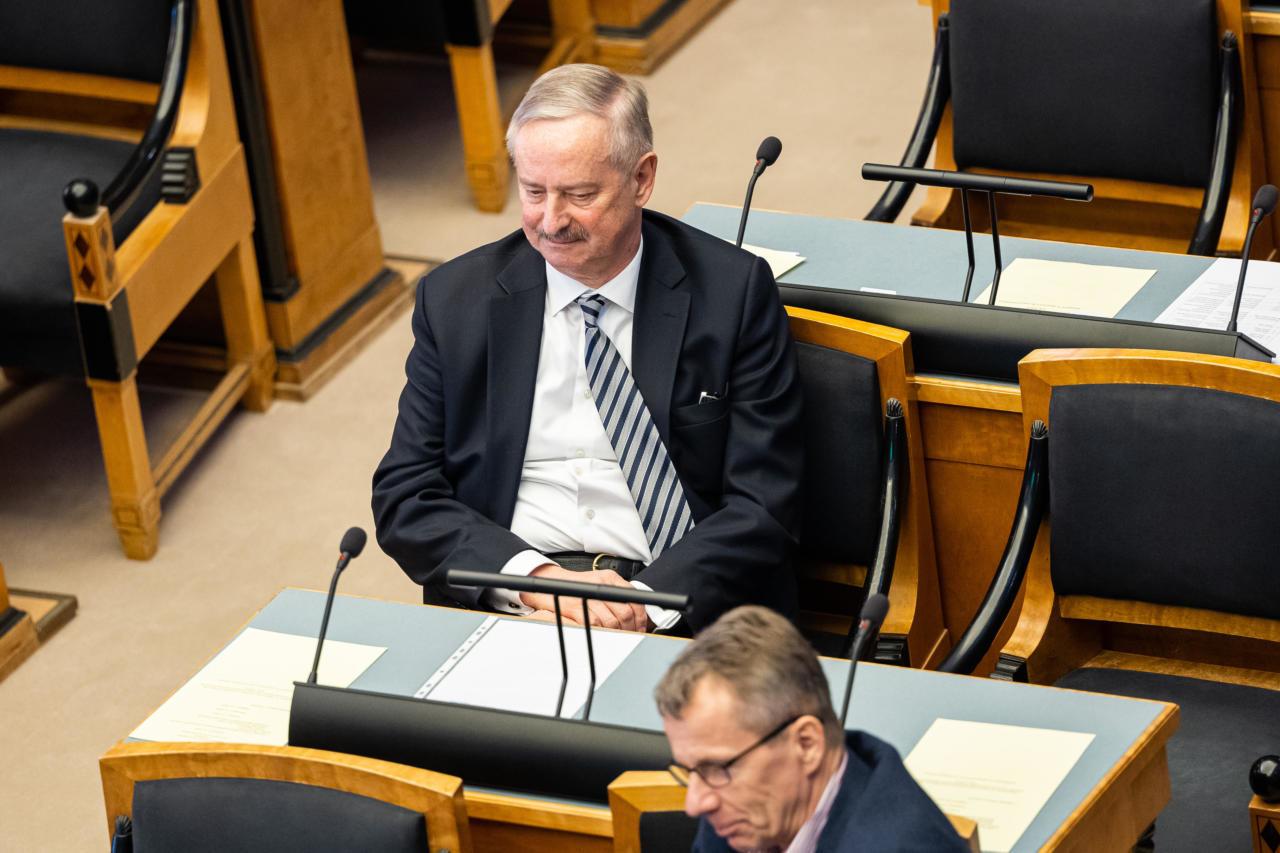 Siim Kallas, obstruktsioon on Reformierakonna lapsuke ja koos sotsidega juba ammu läbi mängitud!
