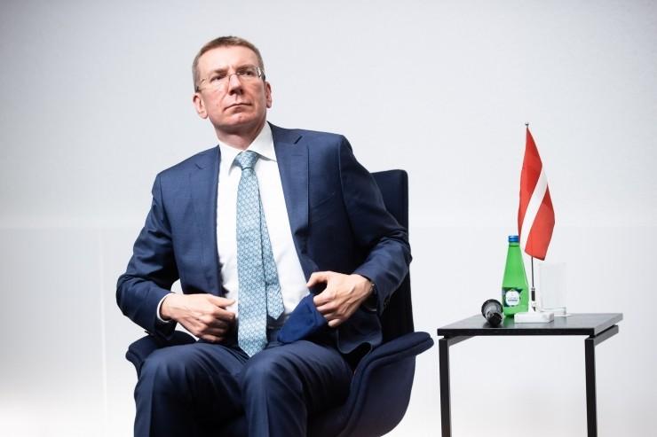 Rinkēvičs toetab Eesti vaktsiinipasside ideed turismi taastamiseks