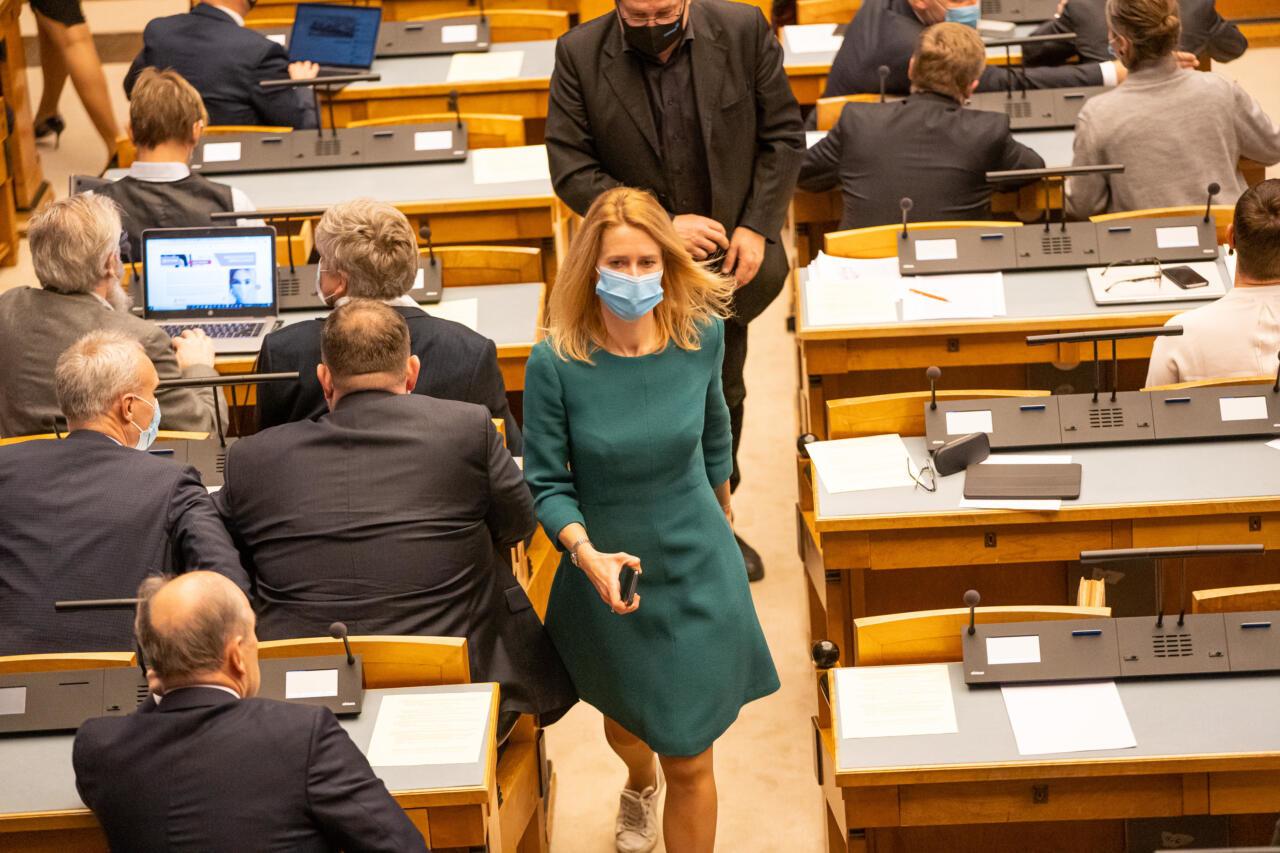 Igasuguse väärikuse kaotanud Kaja Kallas pakkus Jüri Ratasele koostööd, et abielureferendum nurjata