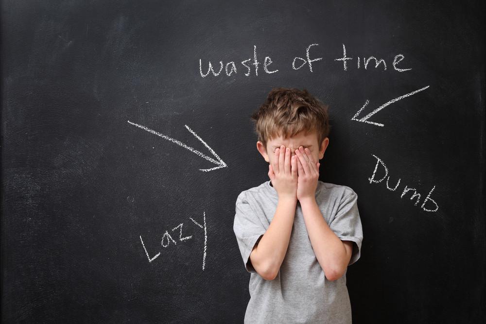 SEE PÕHJUS kasvatab väikese poisi agressiivseks noorukiks