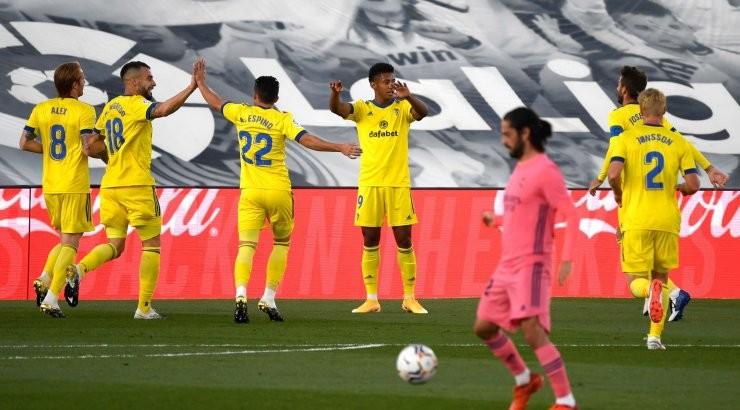 La Liga uustulnuk sakutas valitsevat meistrit Madridi Reali!