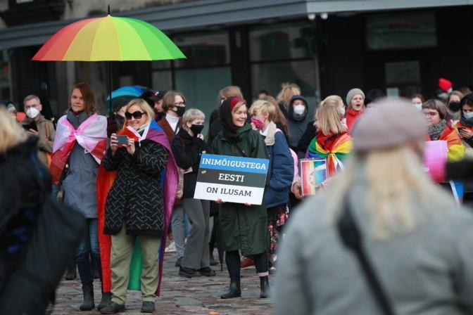 Fotod: Tallinnas avaldati toetust samasooliste paaride õigustele