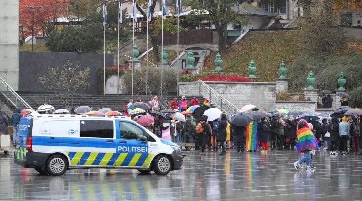 VIDEO JA FOTOD | Vastulöök valitsuse poliitikale: Vabaduse väljakul kogunesid samasooliste paaride õiguste toetajad