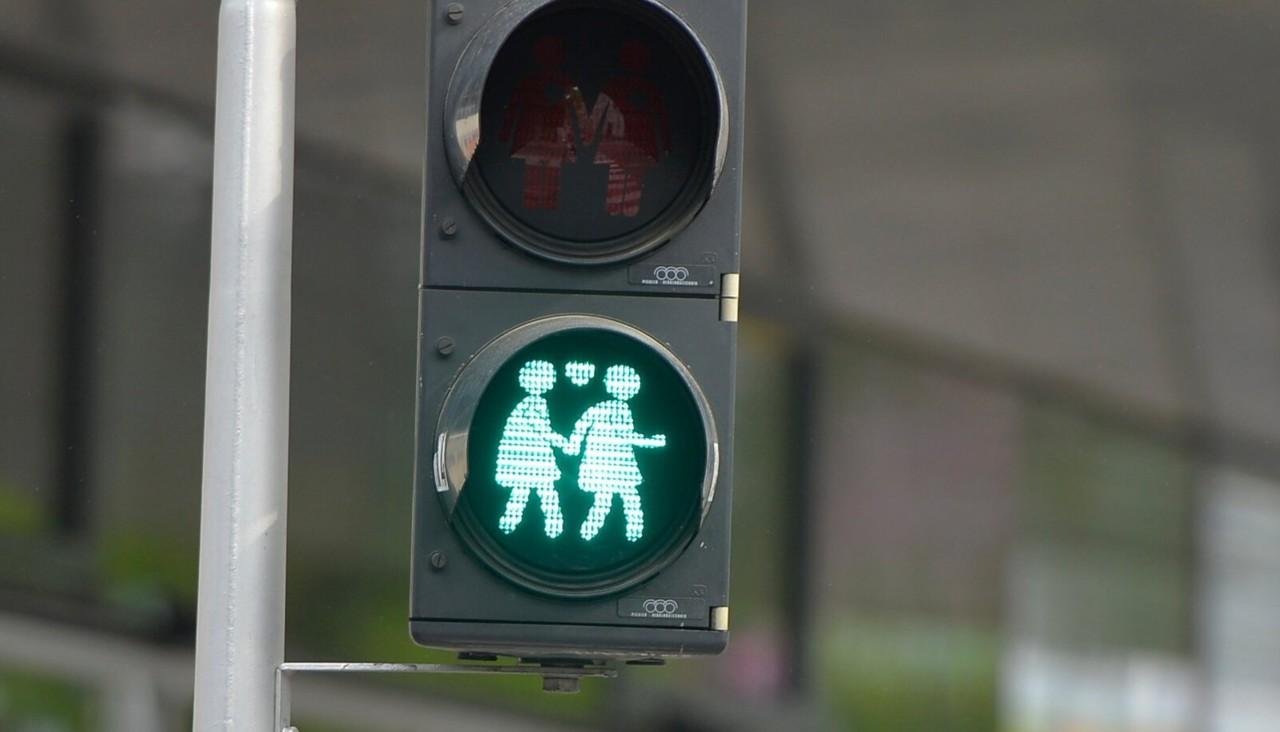 Vandeadvokaat Maria Mägi-Rohtmets: kas meie Eestimaal võib naine armastada naist ja mees meest? Üheski seaduses selleks keeldu ei ole