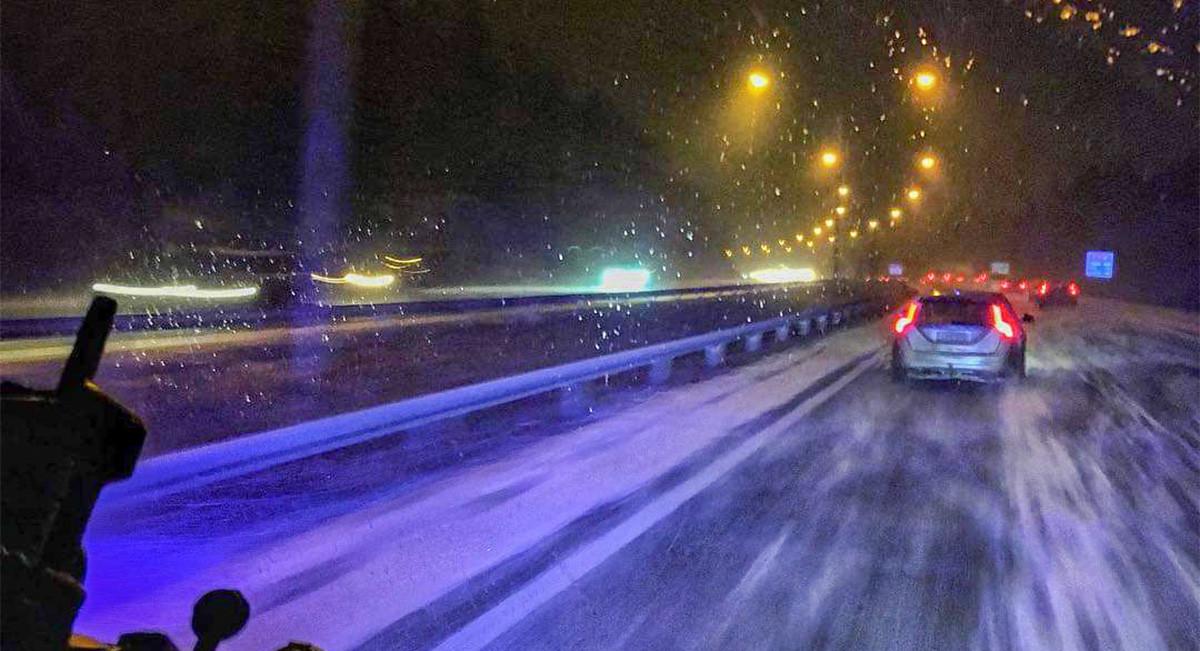 ETTEVAATUST: Lumesadu levib Soomes Helsingini välja, teed on eriti libedad
