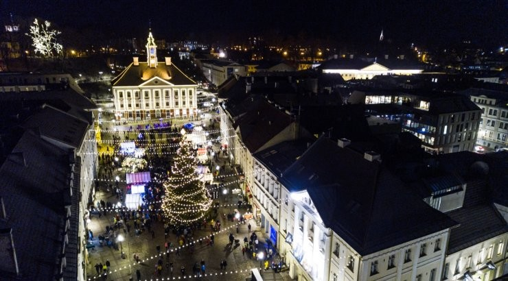 Erinevalt pealinnast Tartus Raekoja platsil traditsiooniline jõuluüritus ikkagi toimub