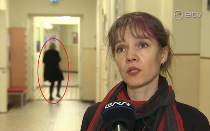 Lõbus video: AK kaadrisse sattunud inimene püüab vaikselt eemale hiilida