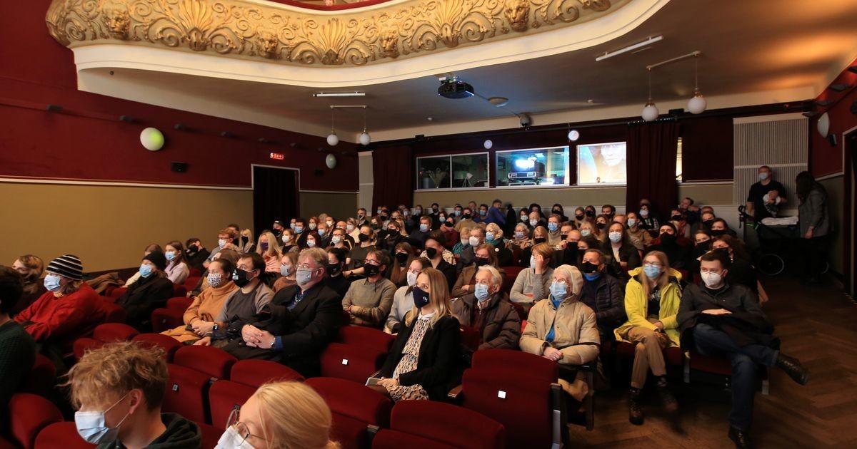 Athenas esilinastus Tartumaal filmitud koostööfilm «Erna on sõjas»