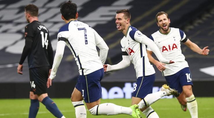 Tottenham tõukas Chelsea liidrikohalt, Man United sai napi võidu