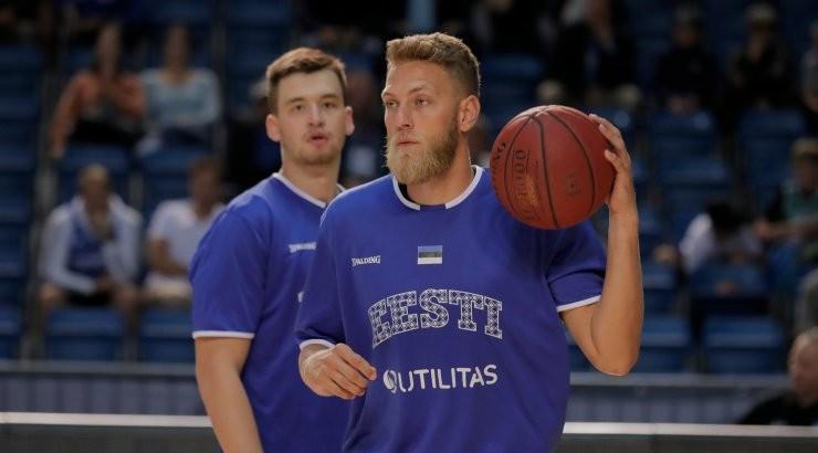 Siim-Sander Vene tegi vigastuspausi järel esimese mängu, koduklubi sai valusa kaotuse