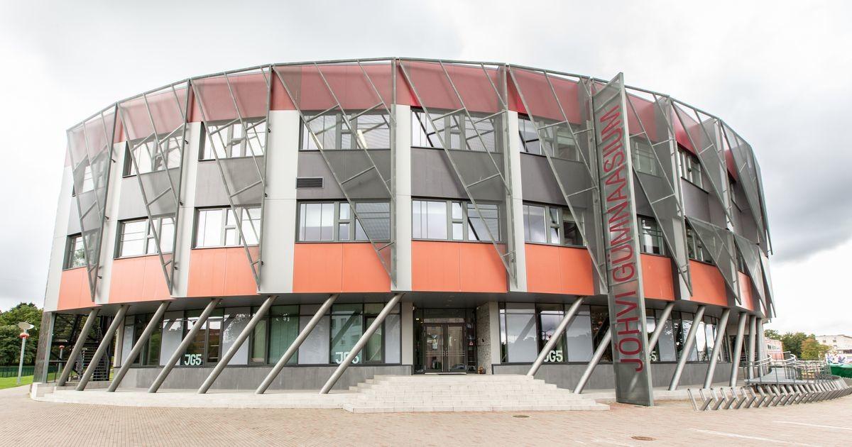 Ministeerium lubab algaval nädalal Ida-Viru gümnasistidel veel koolimajas õppida