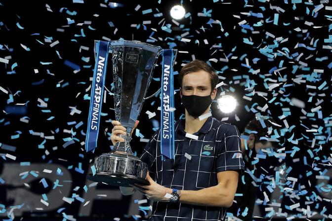 Kõik maailma esikolmiku mängijad alistanud Medvedev võitis finaalturniiri