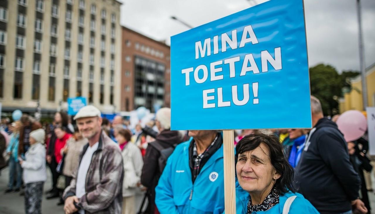 PÄEVA TEEMA   Helle-Moonika Helme: abordipooldajad unustavad ära eelmiste aastate toetused ja levitavad küünilisi valesid
