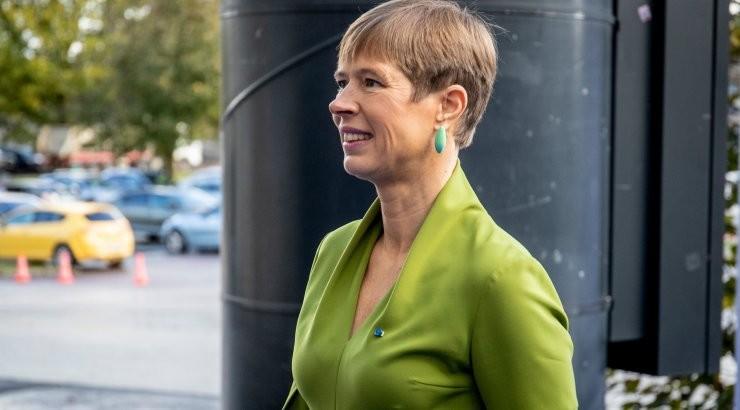 President Kersti Kaljulaid puutus kokku koroonahaigega ja läks eneseisolatsiooni