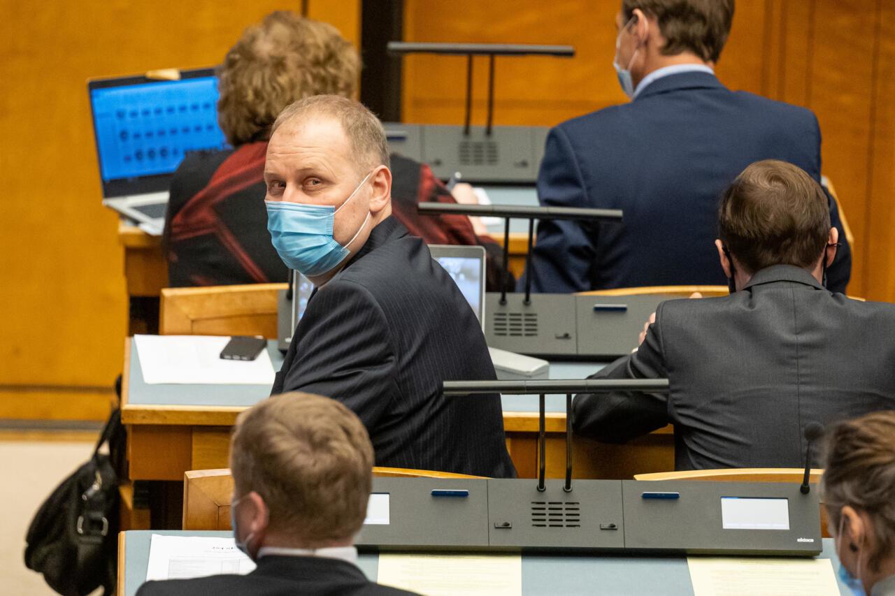 Elva valla valimisliidud soovivad Venemaaga liitumist propageeriva Kruuse lahkumist volikogust