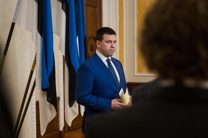 Jüri Ratas astub peaministri ametist tagasi