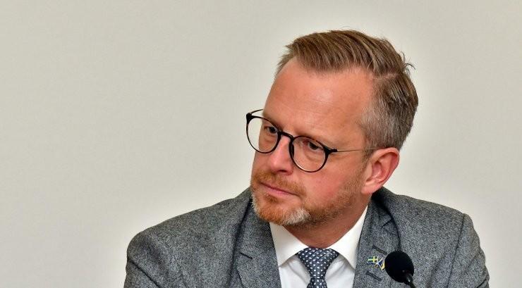 Rootsi siseminister: Estonia vrakki võidakse uurida tänavu suvel