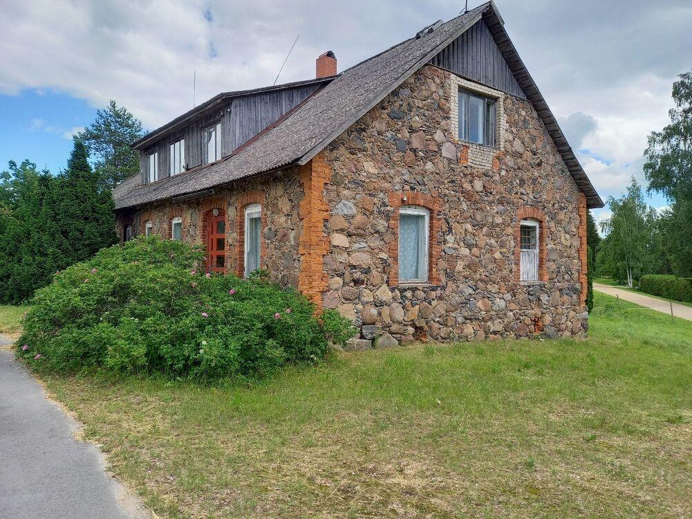 Haruldane pakkumine: eelmise sajandi alguses valminud kivimaja otsib omanikku 10 000 euroga