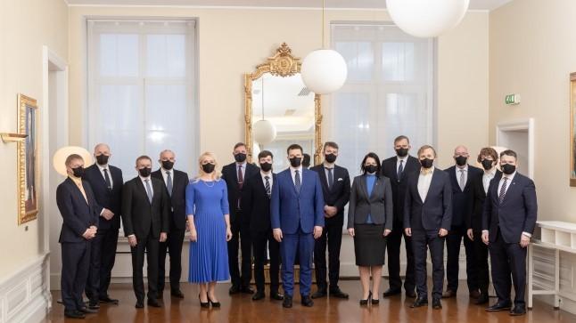 FOTOUUDIS | 50. Eesti Vabariigi valitsus kogunes ühispildile