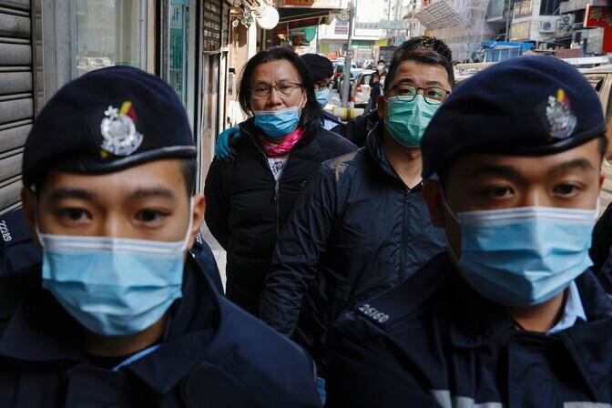 Hongkongi politsei vahistas 11 demokraatiameelseid aktiviste aidanud inimest