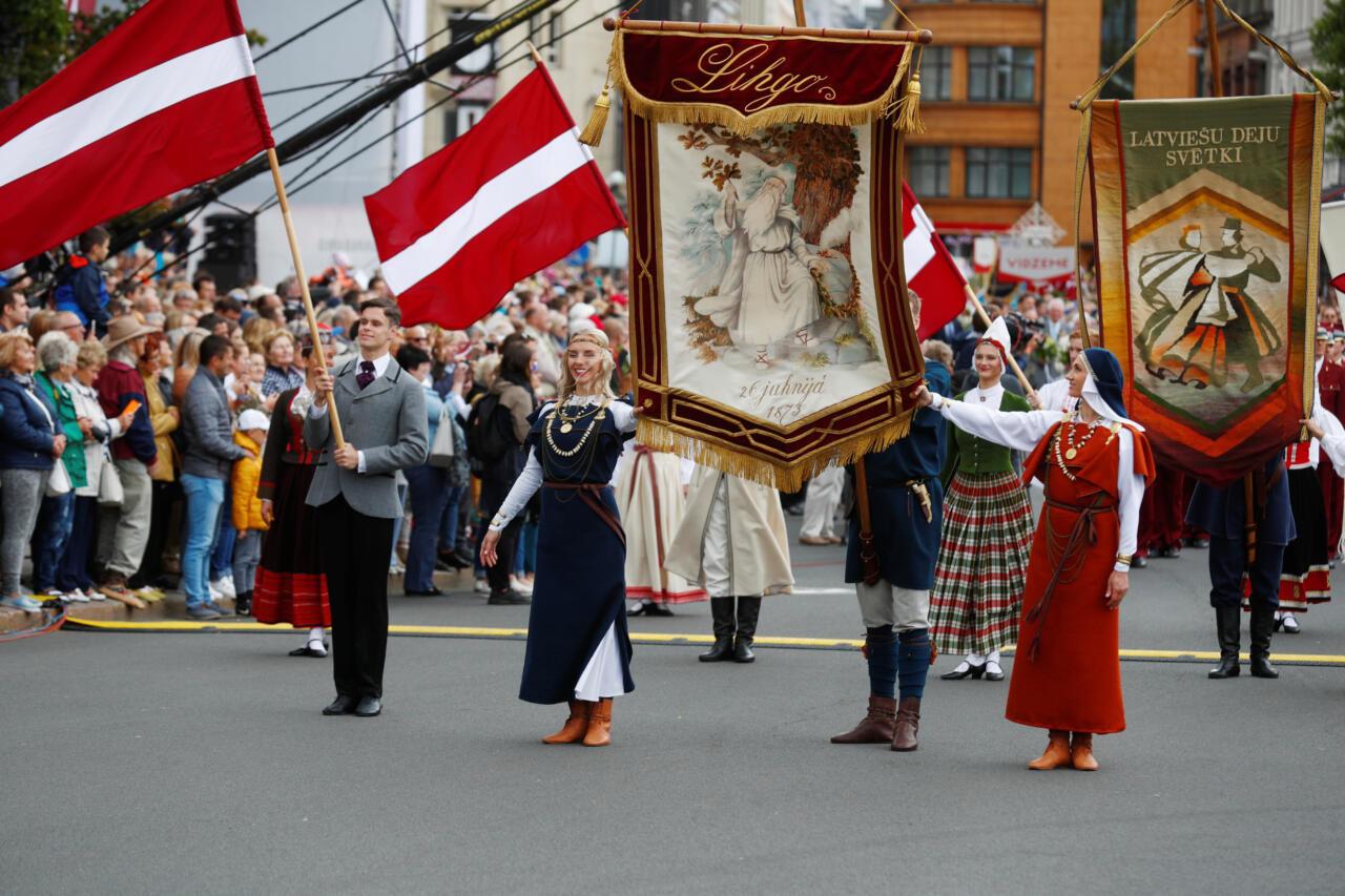 Läti seim arutab rahvuslaste ettepanekut perekonna määratlemiseks