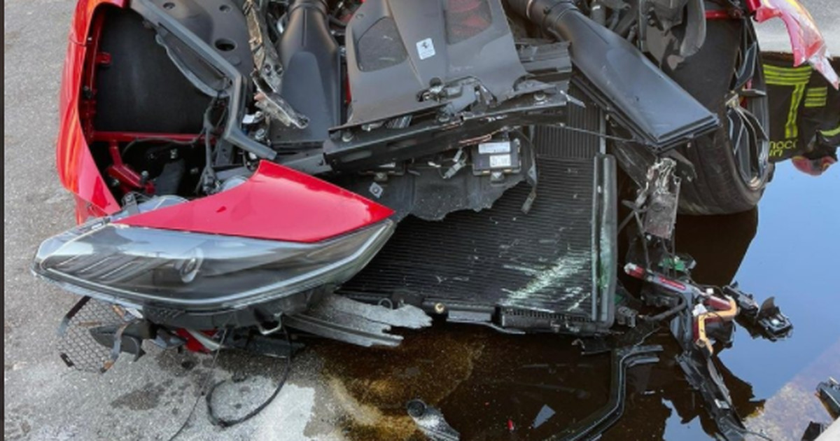 Pesulatöötaja rammis Serie A jalgpalluri ülikalli superautoga teepiiret