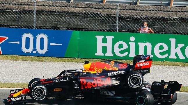 HIRMUÄRATAV VIDEO JA JÄTKUV SÕNASÕDA: Red Bulli boss arvab, et Mercedes teeb show'd