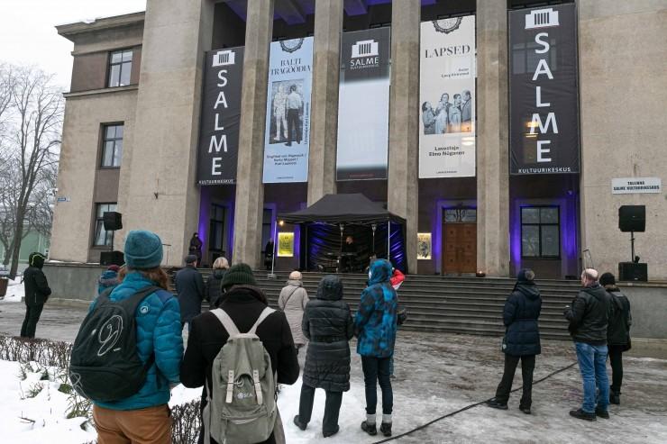 VAATA OTSE! Salme kultuurikeskuse ees esmaesitletakse iseseisvuspäeva audiokava