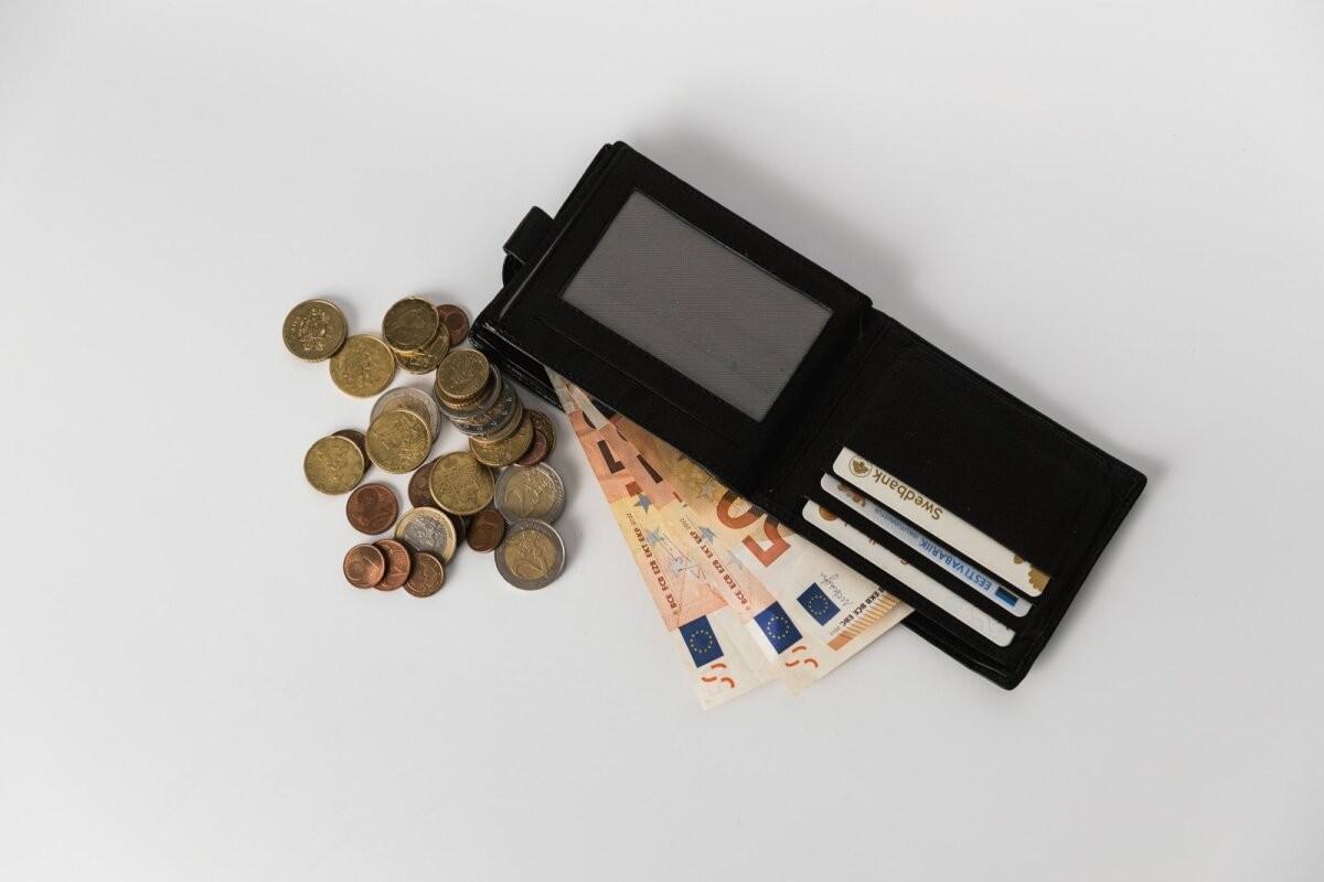 Swedbank alustas pensioni investeerimiskonto avalduste vastuvõtmist