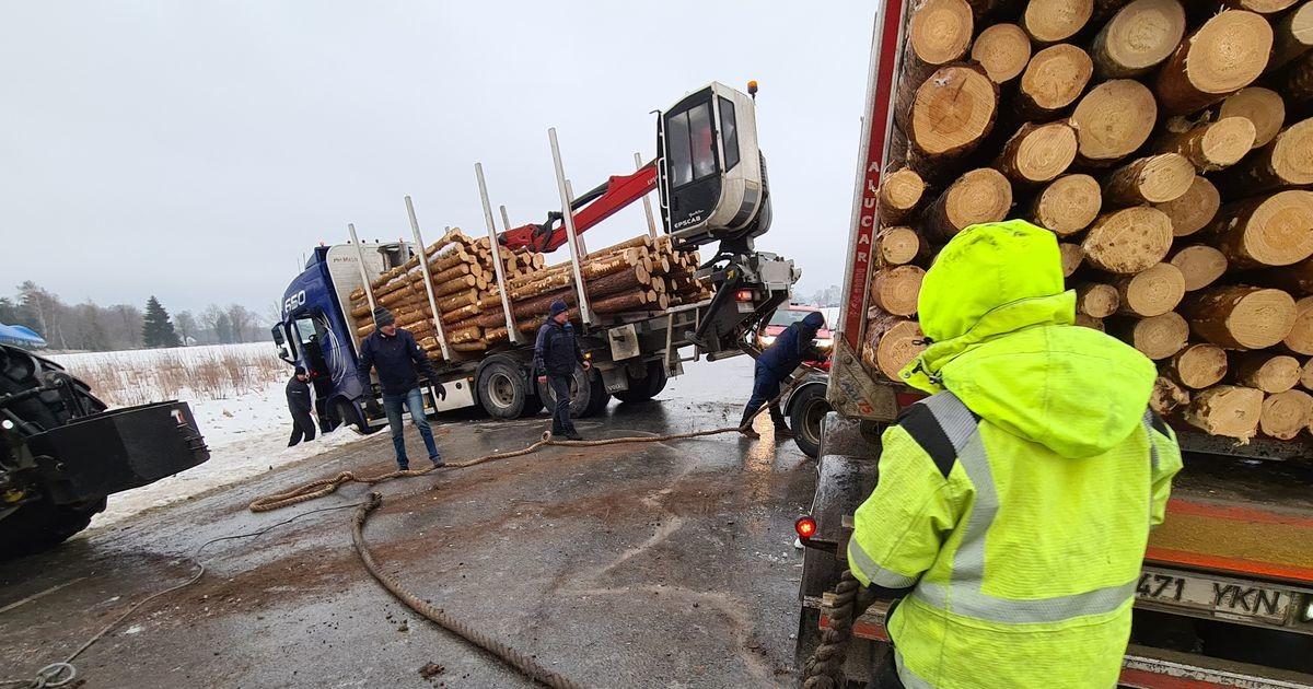 Elva-Rannu vahel sattus neli veokit liiklusõnnetusse