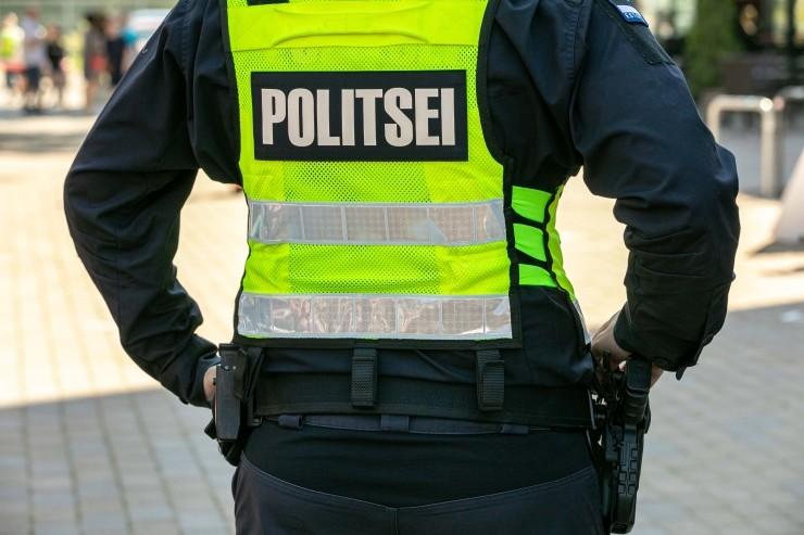 Politsei selgitab pühapäeval tänavatel avaliku koosoleku nõudeid