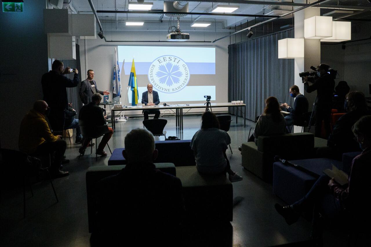 """Mart Helme Narvas: """"Halli passi omanikud peaks otsustama ära, mis riigi kodanikud nad olla tahavad"""""""