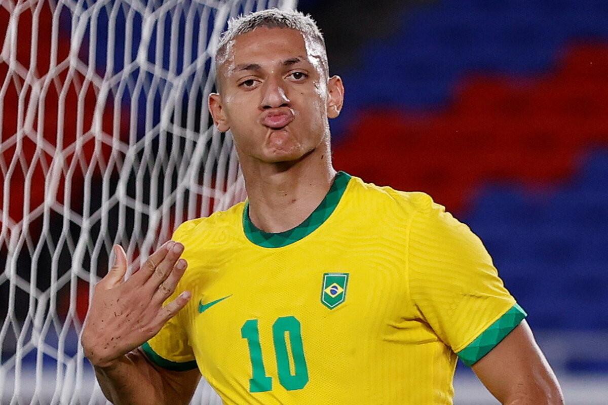 Brasiilia võitis tänu ajaloolisele Richarlisoni kübartrikile Saksamaad