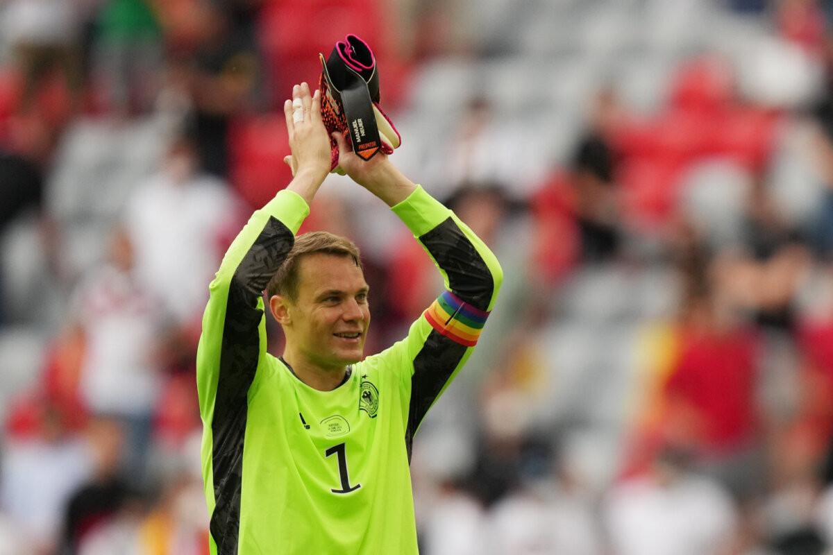 UEFA kiitis Manuel Neueri vikerkaarevärvilise kaptenipaela heaks: see on õilis tegu