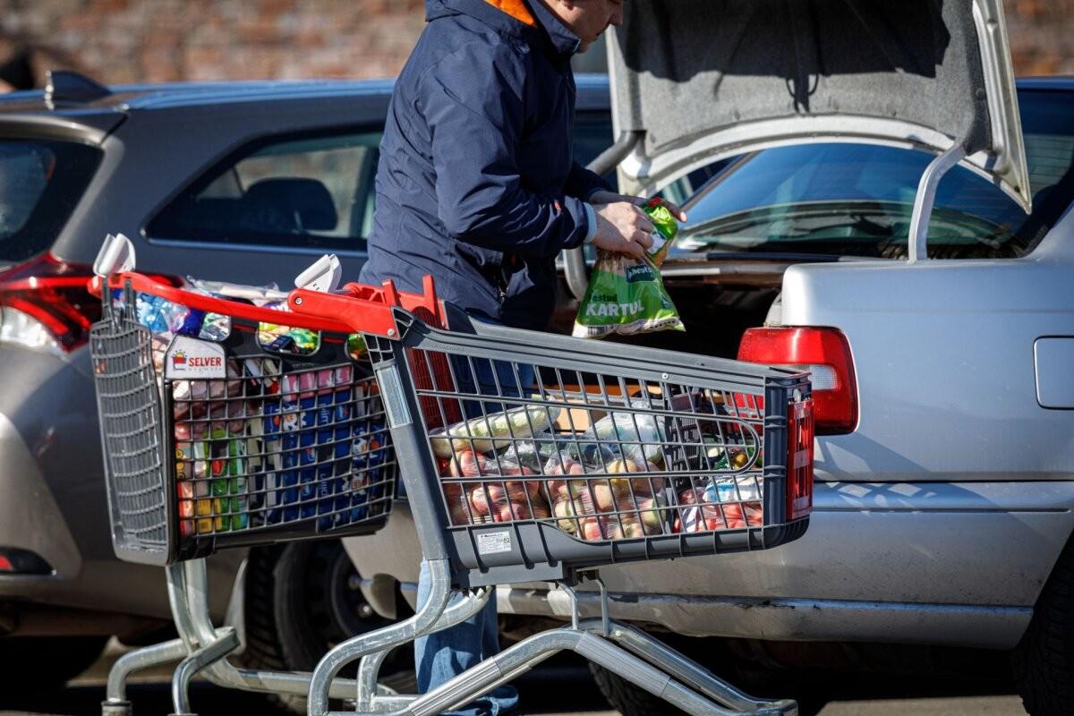 Leibkondade kulutused toidule, eluasemele ja majapidamisele suurenesid, mujalt hoiti kokku